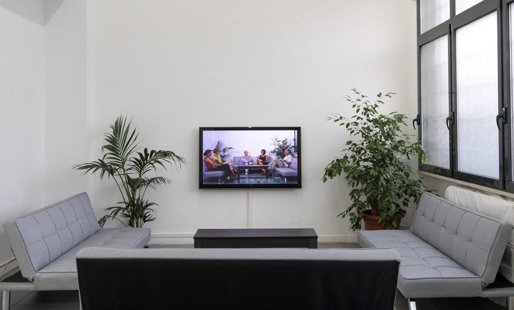 Molto visibile, troppo invisibile, 2019, video-installation, video colour HD, 00:54:00, installation vie wat The Gallery Apart Rome, ph. Giorgio Benni