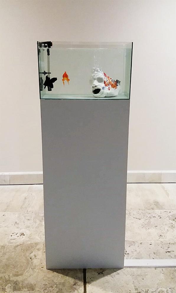 Autorittrato bilingue, 2018, ceramic, crystal tub, on wooden plinth, 160 x 35 x 55cm