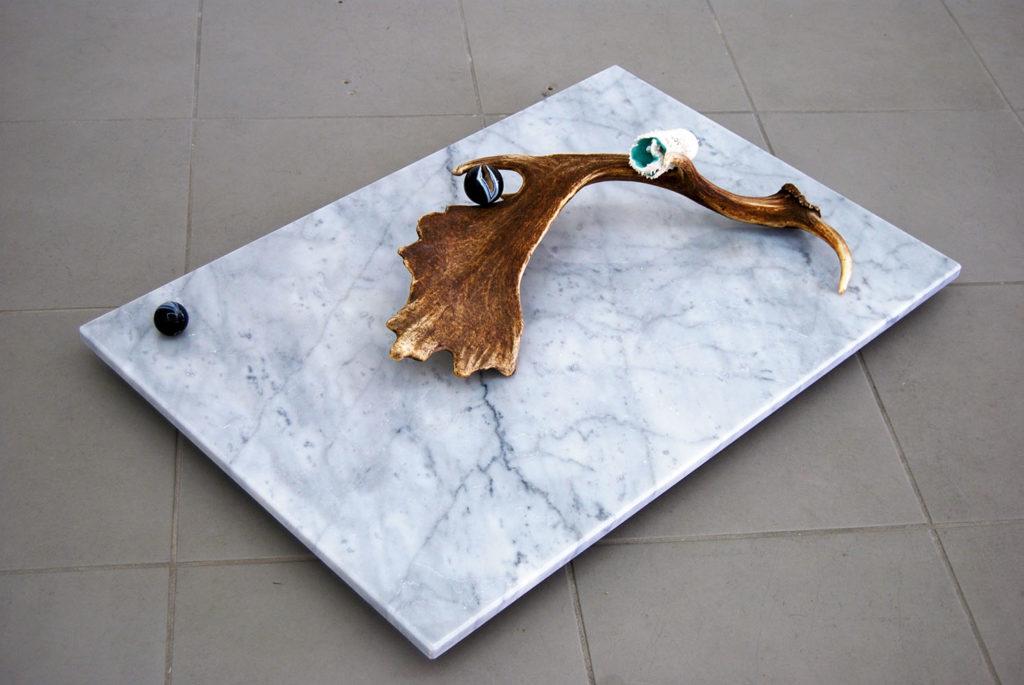 Horn Nest#1, 2014, Carrara marble, glazed ceramics, deerskin stage, agate, cm 90 x 60 x 18, ph. Giorgio Benni