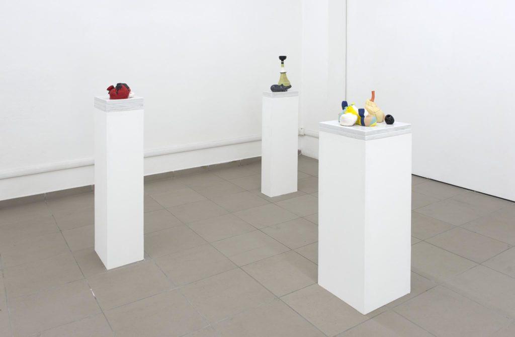 Konvolut #1; Konvolut #2; Konvolut #3, 2014, Carrara marble, glazed ceramics, wooden plinth, ph. Giorgio Benni