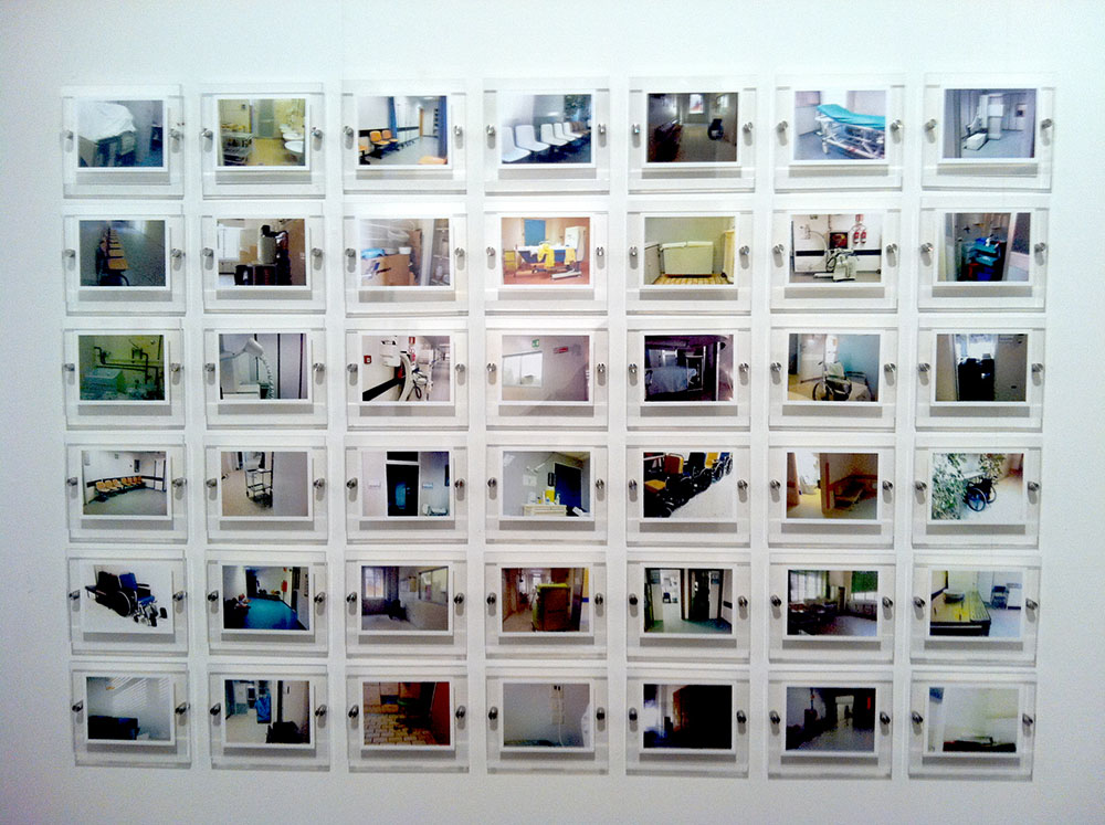 Souvenir d'hôpital, 2007-2011, installation of 42 photographs 12x15 cm each