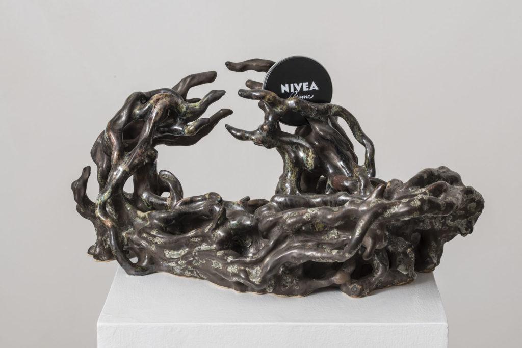I Watch You Surrender, 2016, ceramic and Nivea cream, cm 20x40x30, ph. Giorgio Benni
