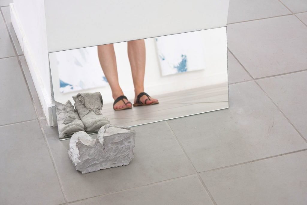 Note to self - mine and yours perhaps, 2015, mirror, concrete, cm 25 x 60 x 27,5, ph. Giorgio Benni